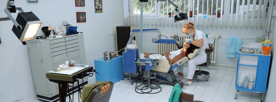 Waterloo Dentist - Erbsville Dental - A dentist working on a patient
